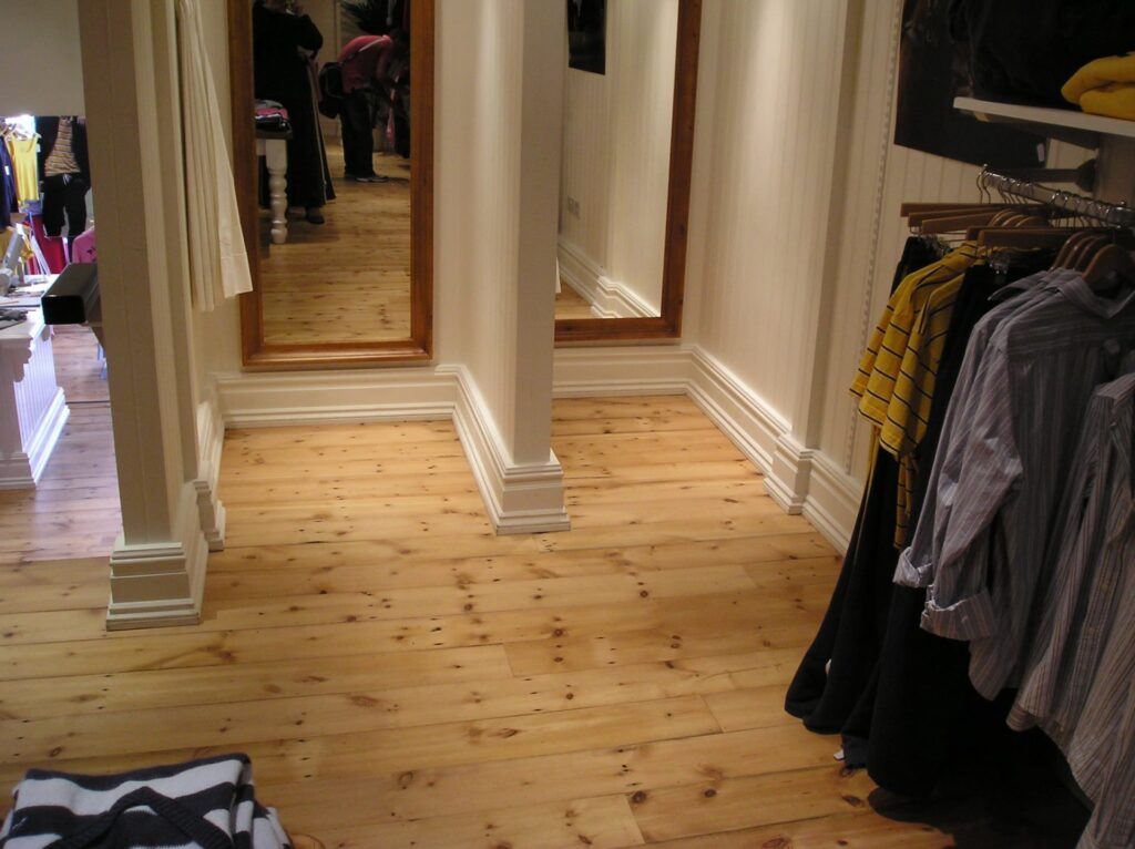 Reclaimed Victorian Yellow Roof Pine, Jack Wills - Wood Flooring Project