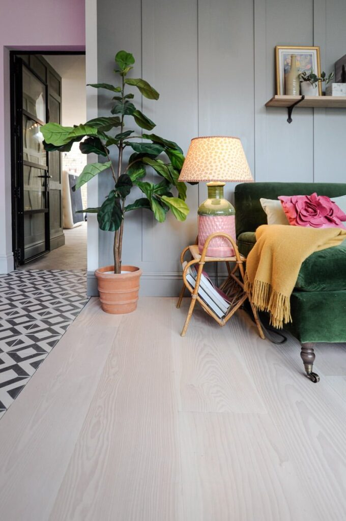 Douglas Fir Flooring Lounge
