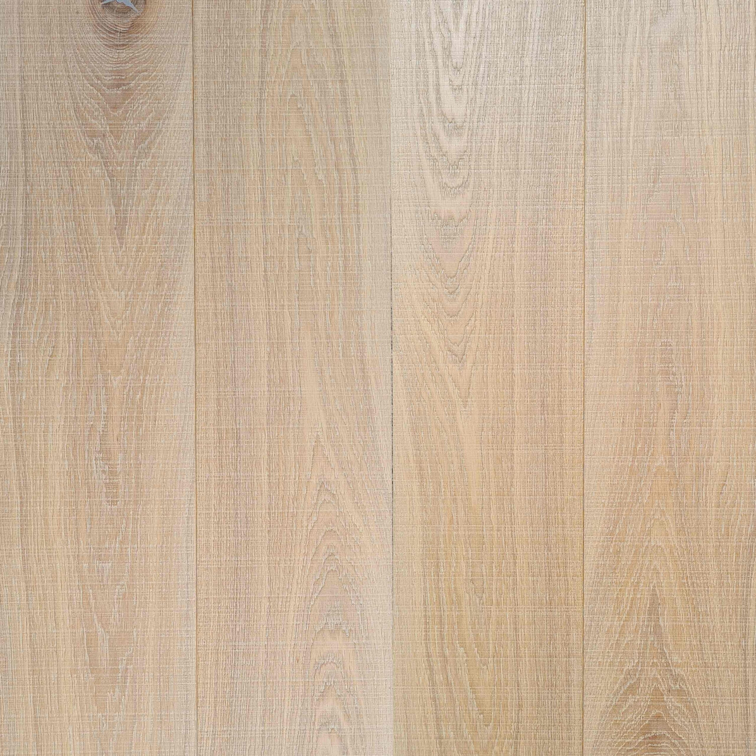Dry Biscuit finish on Sawn and Brushed engineered oak